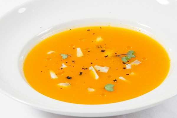Kremasta juha od buče s dimljenom ribom