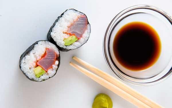 Sushi od brancina mariniranog u ciklinom soku